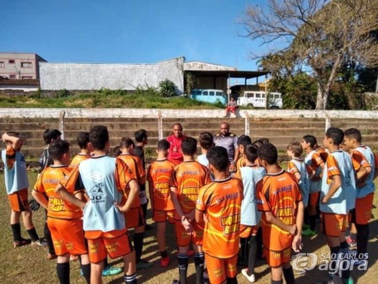 Atletas do Multi Esporte/La Salle recebem visita do técnico sub20 do São Carlos - Crédito: Divulgação