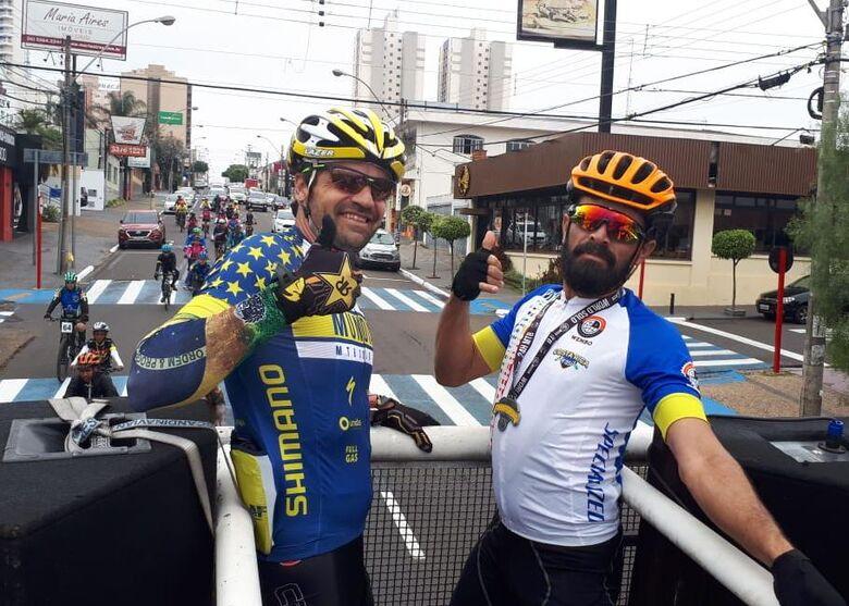 Amigos e ciclistas se unem para homenagear campeão mundial - Crédito: Divulgação