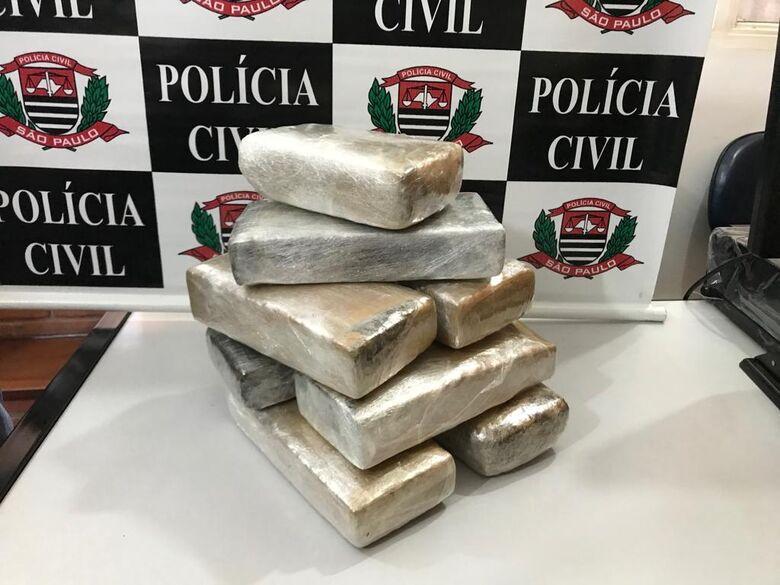 Policiais da Dise apreendem oito tijolos de maconha - Crédito: Maycon Maximino