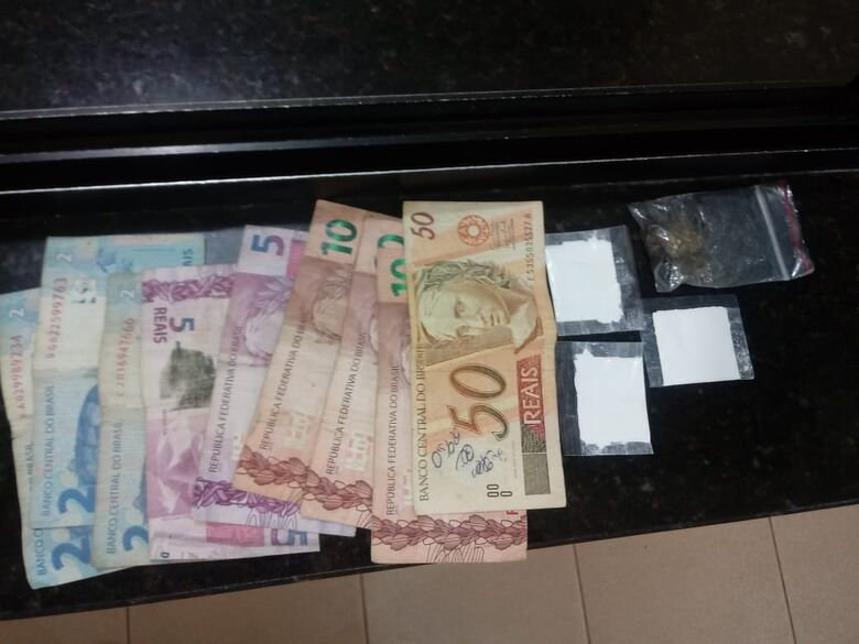 PM de Ibaté encontra drogas em Saveiro no Jardim Icaraí - Crédito: Luciano Lopes