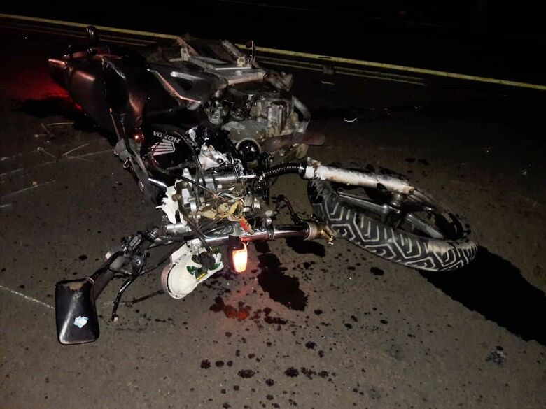 Motociclista fica gravemente ferido após colisão frontal na estrada do Broa - Crédito: Maycon Maximino