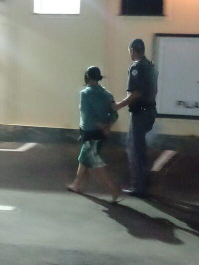 Procurada por roubo é detida no Jardim São Paulo -