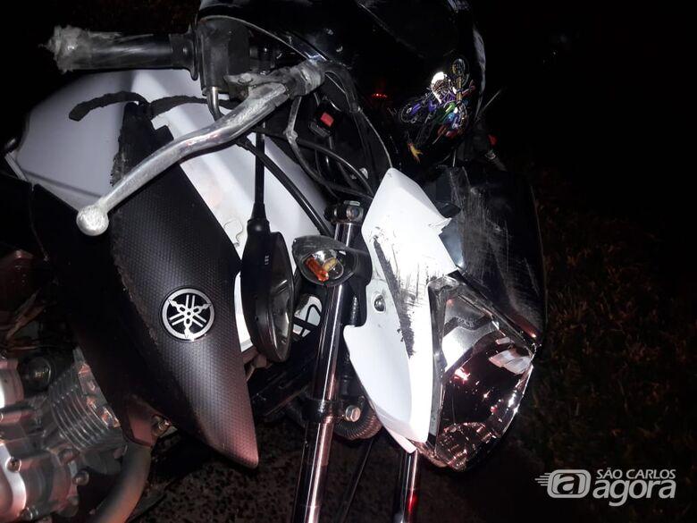 Casal fica ferido após sofrer queda de moto na Washington Luiz - Crédito: Maycon Maximino