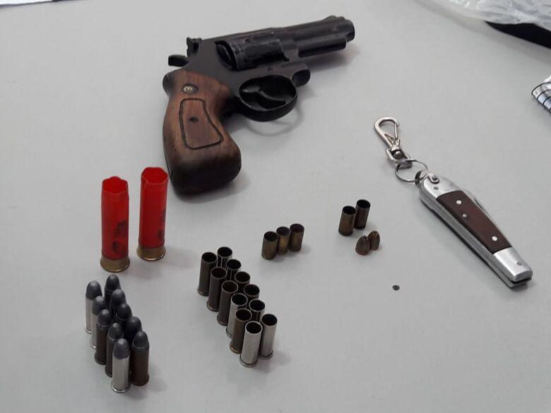 Polícia Militar localiza arma com numeração raspada em sítio - Crédito: Maycon Maximino