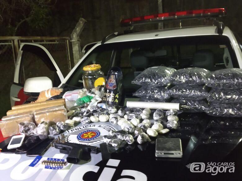 PM encontra grande quantidade de drogas em residência do Monte Carlos - Crédito: Luciano Lopes/São Carlos Agora