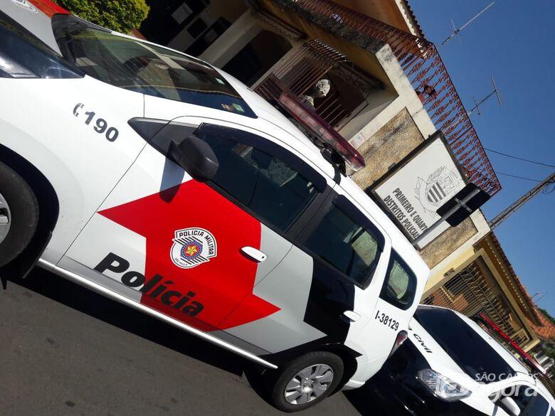 Com auxílio de um carro, dupla furta Lojas Cem - Crédito: Arquivo/SCA