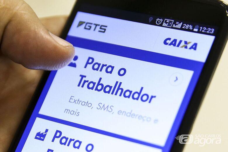 Caixa inicia pagamento de FGTS; saiba como sacar - Crédito: Marcelo Camargo/Agência Brasil
