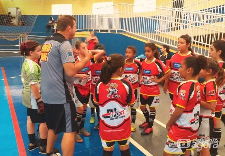 Jogadoras da Mult Sport disputam amistosos de futebol feminino - Crédito: Divulgação