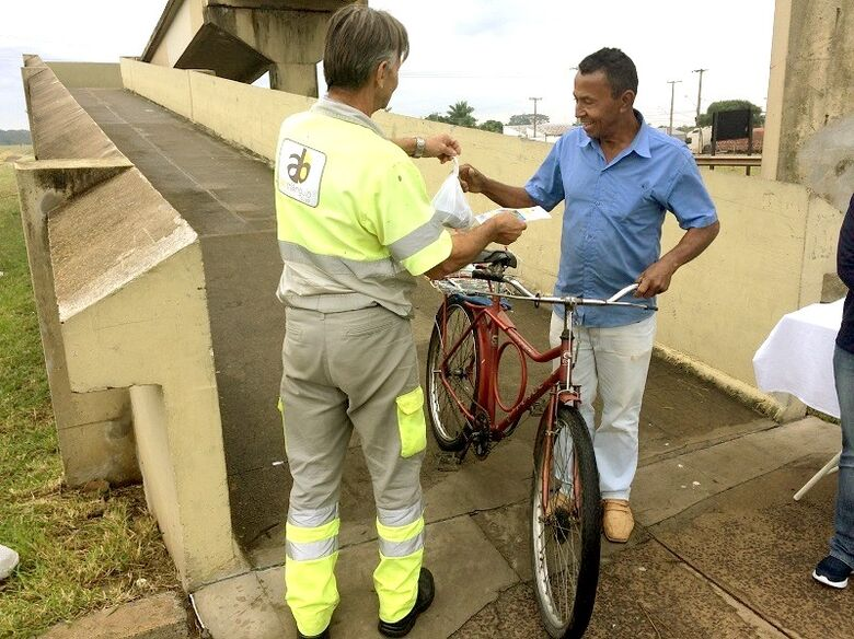 Ibaté recebe ação de segurança viária para pedestres - Crédito: Divulgação
