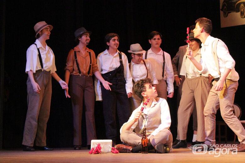 """""""Beco dos Gatos"""" e """"O Amor de Romeu e Julieta"""" serão apresentados no Teatro Municipal - Crédito: Divulgação"""