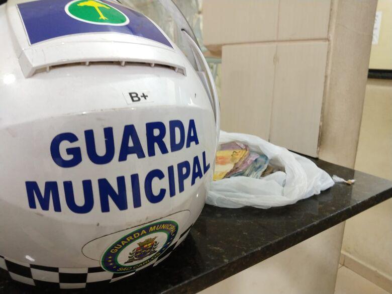 GM apreende adolescente por tráfico de droga na Vila Morumbi - Crédito: Luciano Lopes