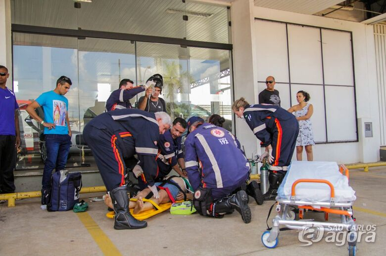 Samu reverte parada cardiorrespiratória em mulher após quase meia hora de procedimentos - Crédito: Marco Lúcio