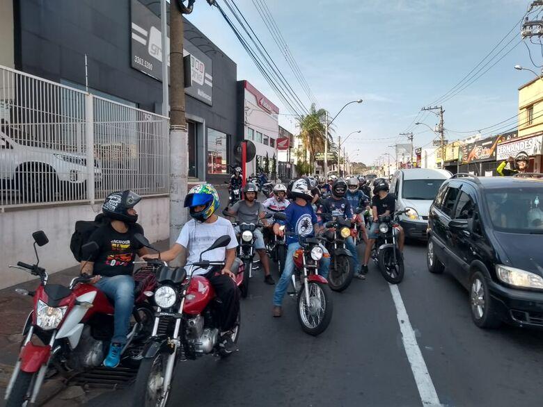 Motoboys de São Carlos e de Rio Claro se unem e ajudam família de motociclista que morreu em acidente - Crédito: Divulgação