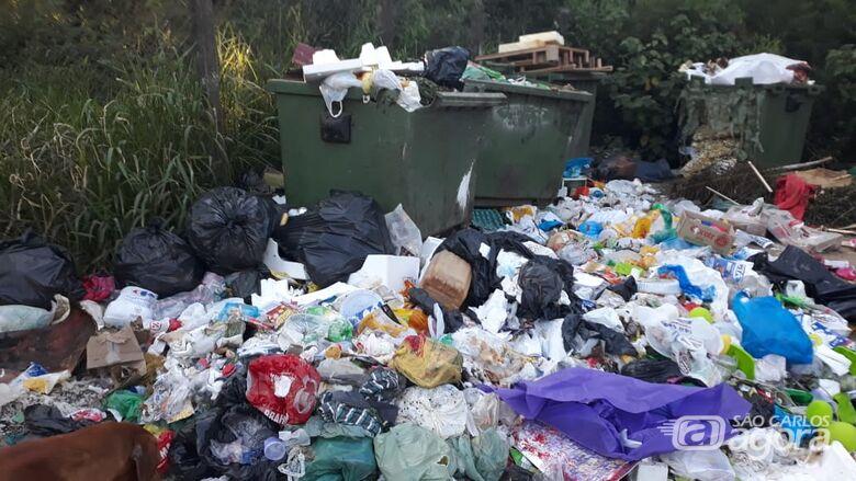 """Cartão postal do Aracê de Santo Antonio é """"um monte de lixo"""", denunciam moradores - Crédito: Divulgação"""