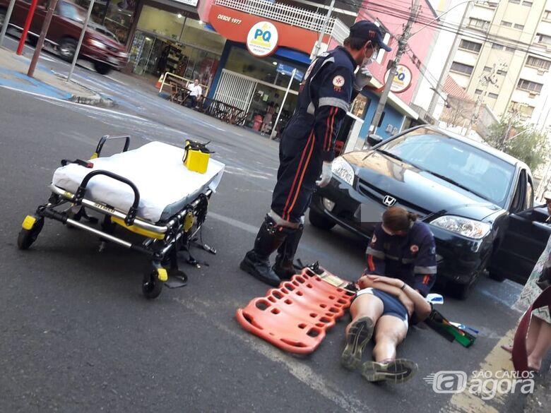 Desatenção causa atropelamento no centro de São Carlos - Crédito: Maycon Maximino