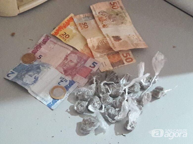 Quatro são detidos e acusados de tráfico na Vila Jacobucci - Crédito: Maycon Maximino