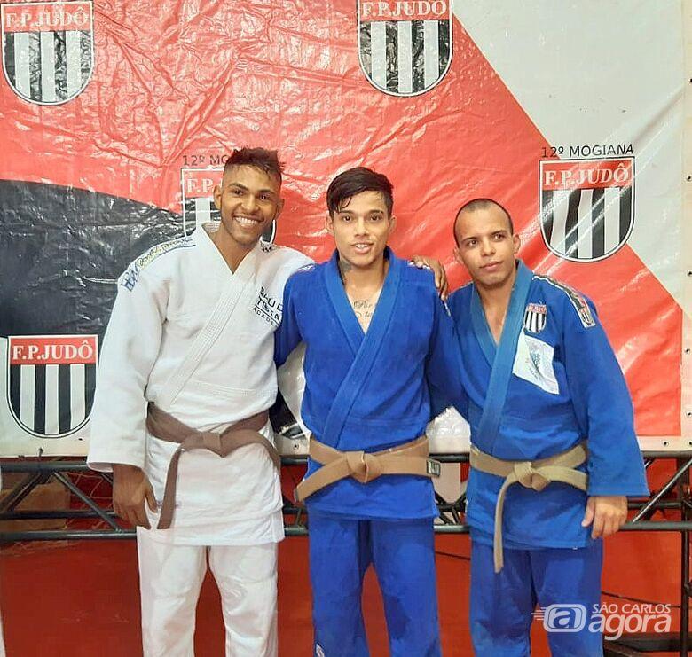 Judocas são-carlenses são destaques em Cajuru e Pirassununga - Crédito: Divulgação