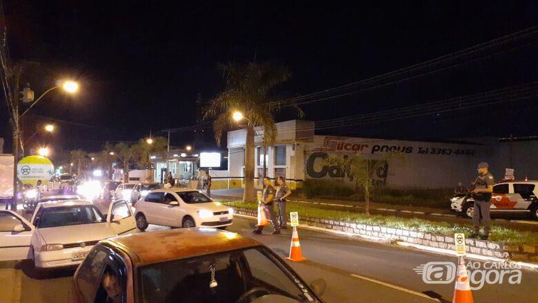 Operação com uso do bafômetro fiscaliza mais de 180 motoristas em São Carlos - Crédito: Divulgação/PM