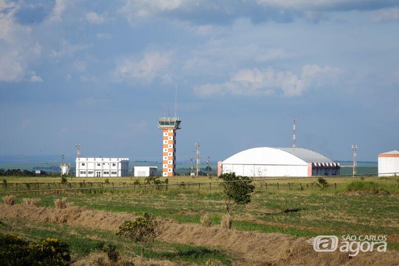 Aeroporto de São Carlos: sem previsão de início do transporte de passageiros - Crédito: Arquivo/SCA