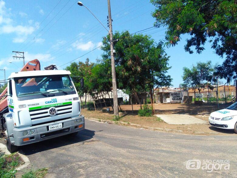Área pública invadida é retomada pela Prefeitura -