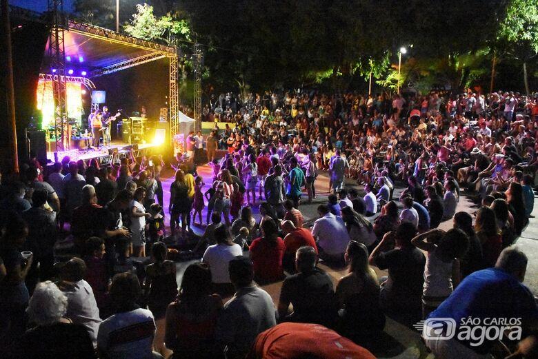 Circuito Arena: público lota Parque do Bicão para assistir Vinil 78 - Crédito: Divulgação