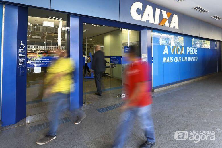 Caixa paga hoje até R$ 500 do FGTS para parte dos correntistas - Crédito: Agência Brasil