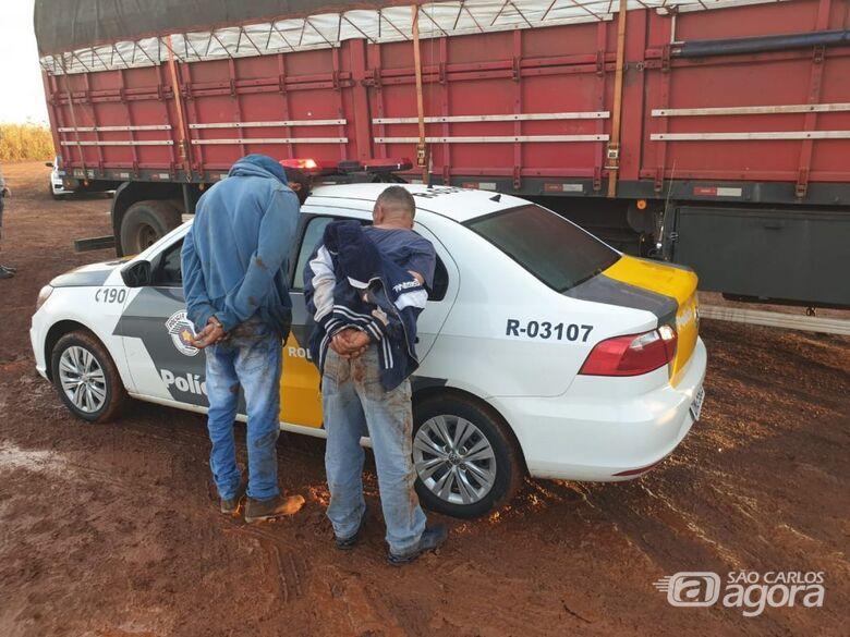 Polícia Rodoviária prende trio e recupera carga roubada na Washington Luis - Crédito: Repórter Berto Ribeiro