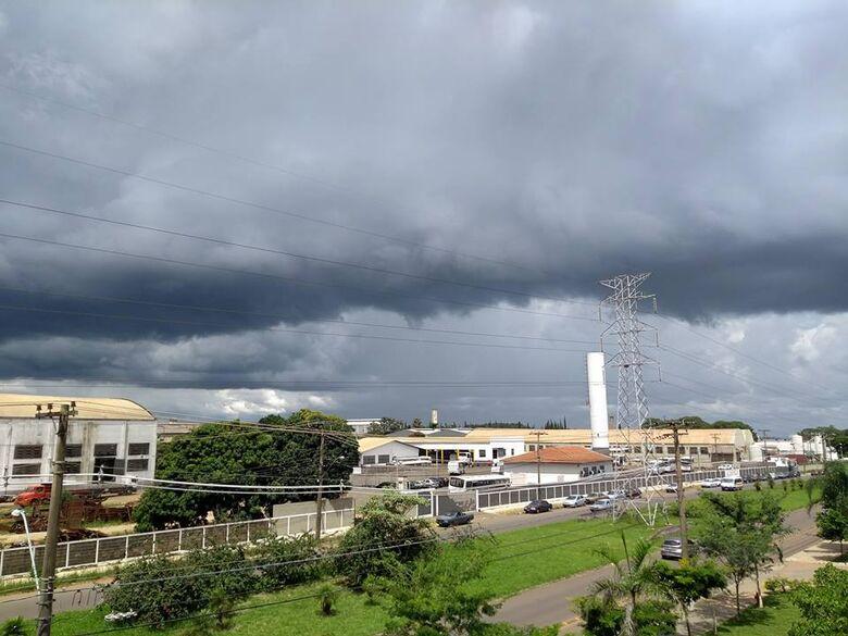 Domingo ensolarado pode terminar com pancadas de chuva em São Carlos - Crédito: Arquivo/SCA