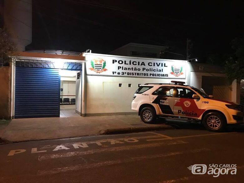 Durante assalto, mulher é alvo de 'bala perdida' - Crédito: Araraquara 24 Horas