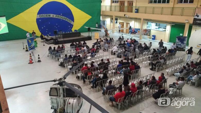 IFSP São Carlos oferece curso com Técnico em Aviônicos - Crédito: Divulgação