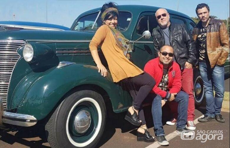 Banda Vinil 78 leva o melhor dos anos 60, 70, 80 e 90 ao Parque do Bicão neste domingo - Crédito: Divulgação