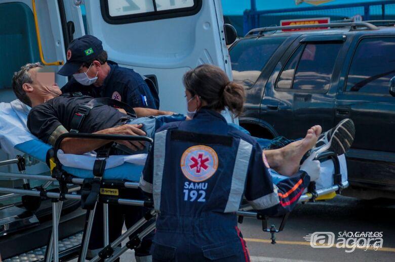 Ciclista fica ferido após acidente na Praça Itália - Crédito: Marco Lúcio