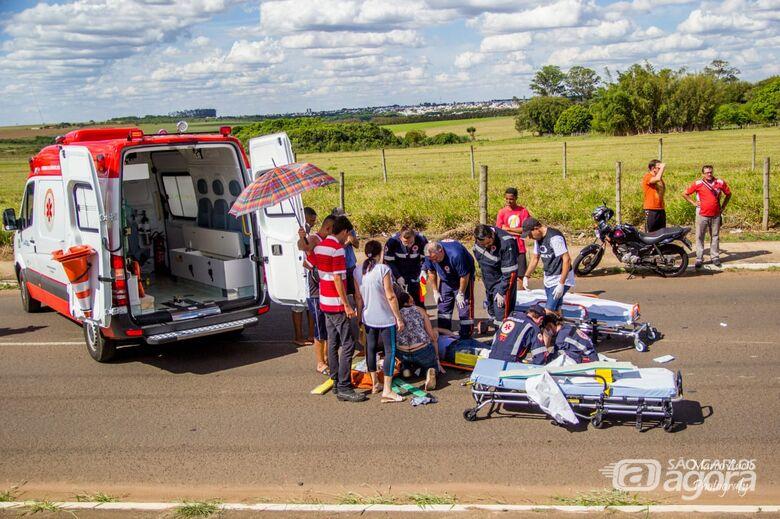 Motociclista sofre ferimentos graves após colisão na Miguel Petroni - Crédito: Marco Lúcio