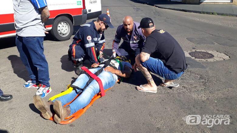 Carro colide em moto no Tangará e uma pessoa fica ferida - Crédito: Marco Lúcio