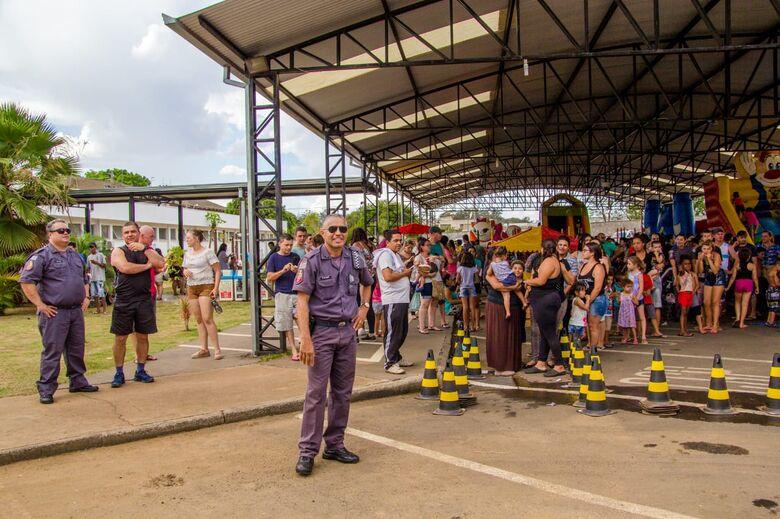 Festa em comemoração ao 30 anos do 38º Batalhão da Polícia Militar faz a alegria da criançada - Crédito: Marco Lúcio