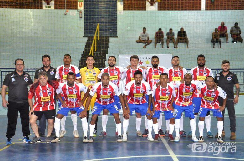 """Em mais uma """"final"""", São Carlos Futsal pega Dumont em casa e joga para ir à semi - Crédito: Joyce Fotografias"""