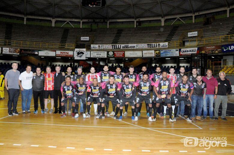 Simonetti defende pênalti e garante São Carlos Futsal na semi da Copa Record - Crédito: Joyce Fotografias