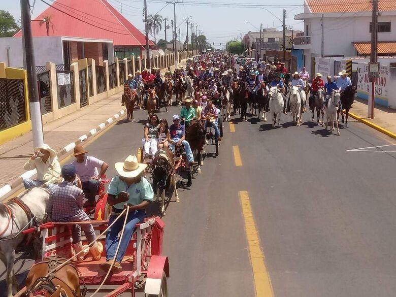 Cavalgada de São Francisco de Assis em Ibaté reúne mais de 250 participantes - Crédito: Divulgação
