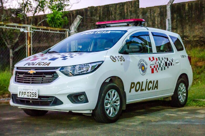 Motorista acusado de dirigir embriagado joga carro em cima de PMs - Crédito: Arquivo/SCA