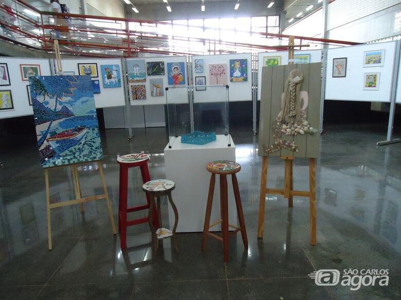 Biblioteca Comunitária da UFSCar apresenta exposição do Ateliê Cláudia Mazza - Crédito: BCo