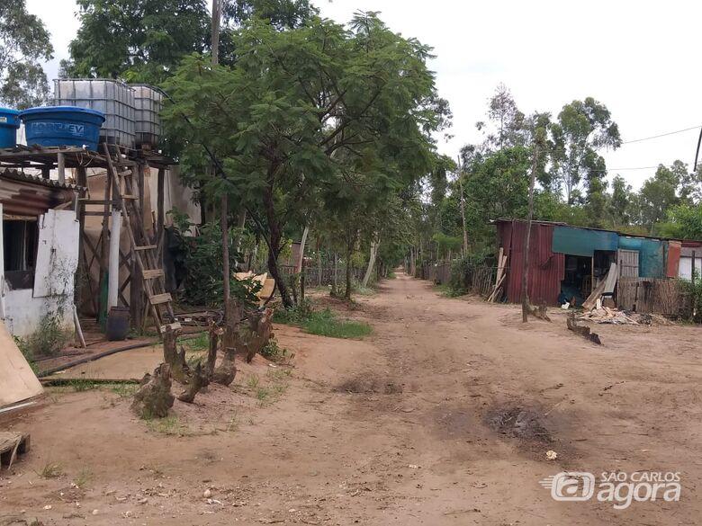 Acampamento Capão das Antas fica atrás da fábrica de motores da Volkwagen - Crédito: São Carlos Agora