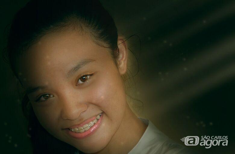 Quer um sorriso 100% alinhado? - Crédito: Imagem de Bing N. por Pixabay