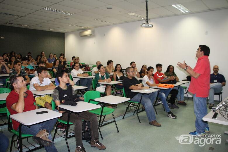 Alunos de São Carlos adquirem formação complementar em Física Experimental - Crédito: Divulgação