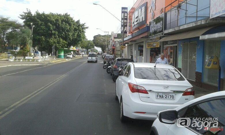 Avenida Sallum, atualmente, apresenta mão dupla de direção; motoristas e pedestres reclamam - Crédito: Arquivo/SCA