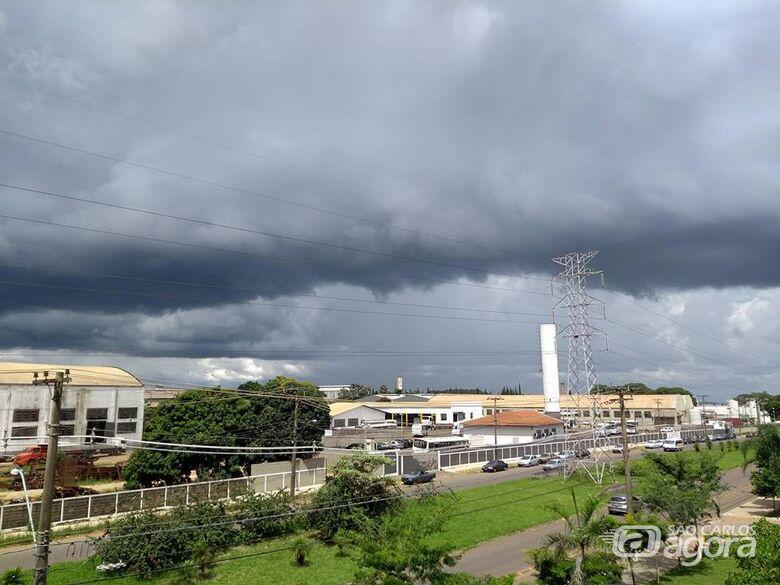 Tempestade pode atingir São Carlos nos próximos minutos - Crédito: Arquivo/SCA