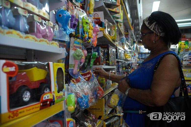 Confira o horário do comércio e do shopping durante a Black Friday - Crédito: Arquivo/SCA