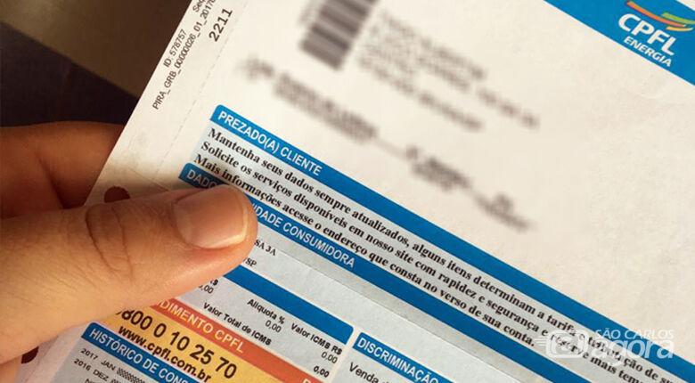 Consumidor deve ficar atento a cobranças indevidas na conta de energia -