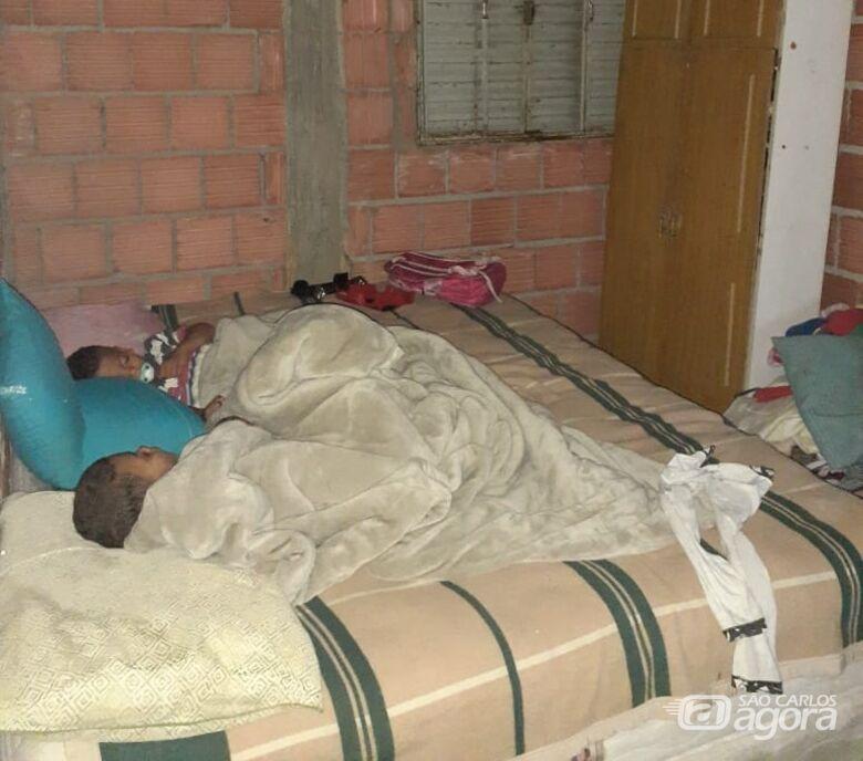 Família passa por necessidades no Cidade Aracy e SCA realiza campanha solidária - Crédito: Divulgação
