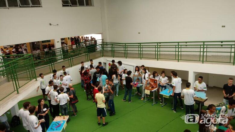 Alunos do ensino médio do IFSP São Carlos realizam o Projeto Leitura Viva - Crédito: Divulgação