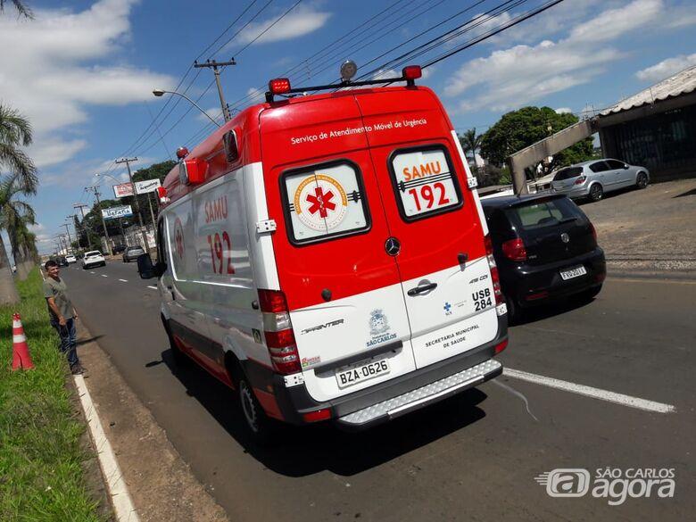 Após ser fechada, motociclista sofre queda na Getúlio Vargas - Crédito: Maycon Maximino